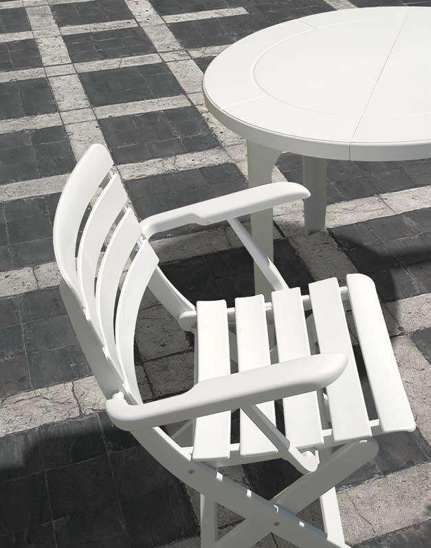 Lisanza Folding Armchair Rovergarden